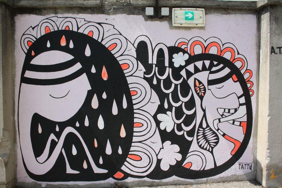 Artiste - derrière la cour intérieure