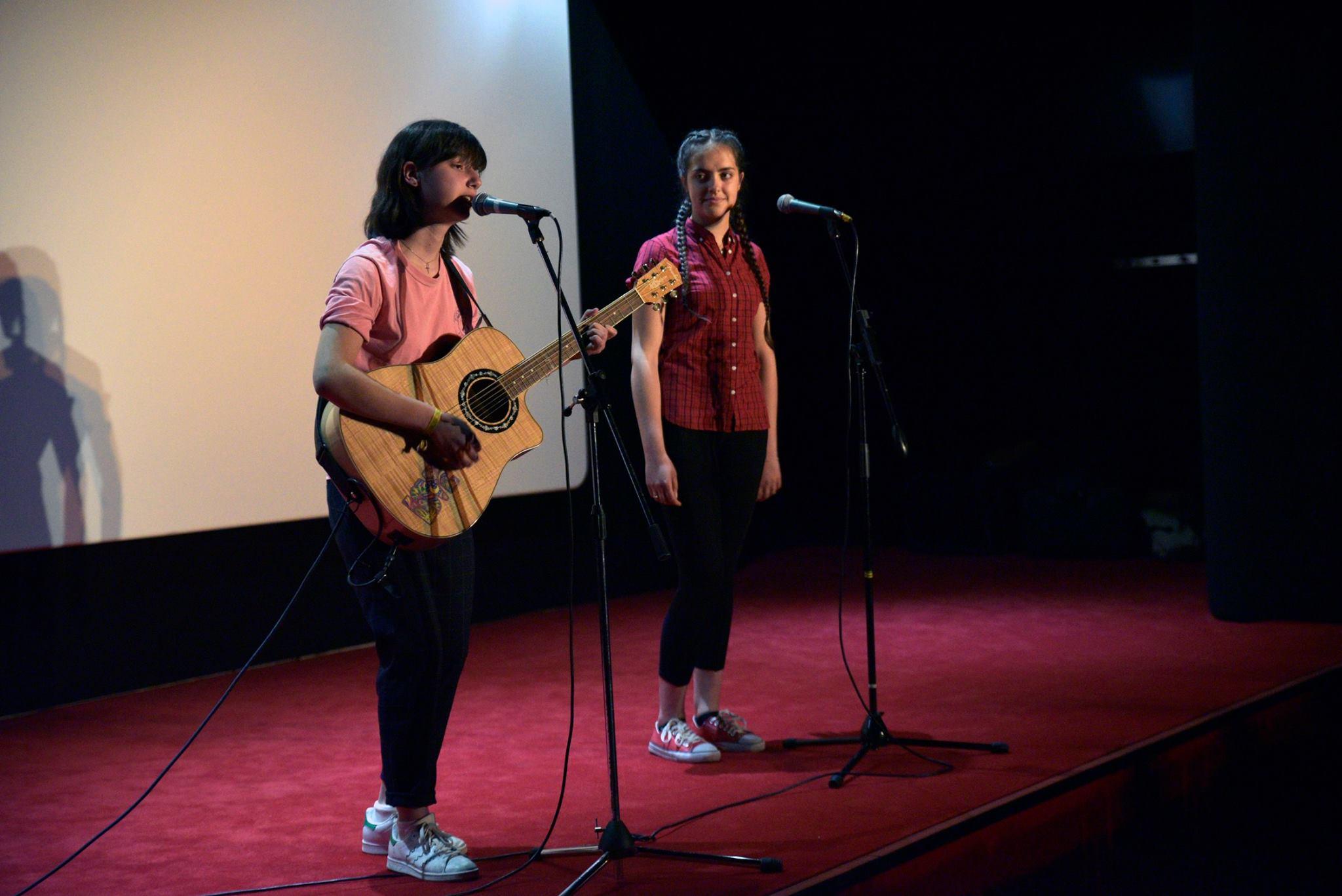 Mila Randon-Fonseca et Lisa Carlin