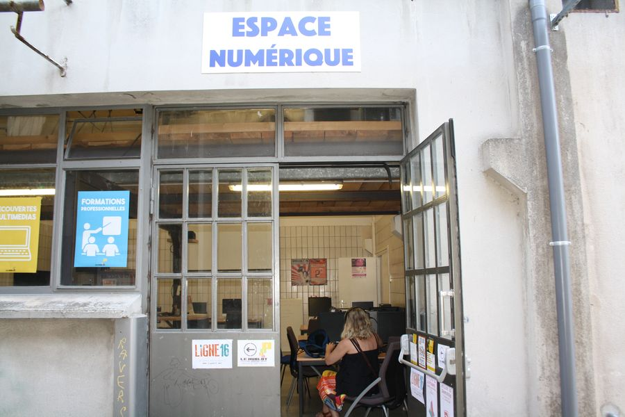 """Espace numérique """"Ligne 16"""""""